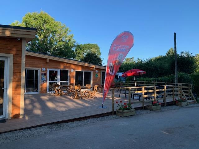 accueil et bar du camping